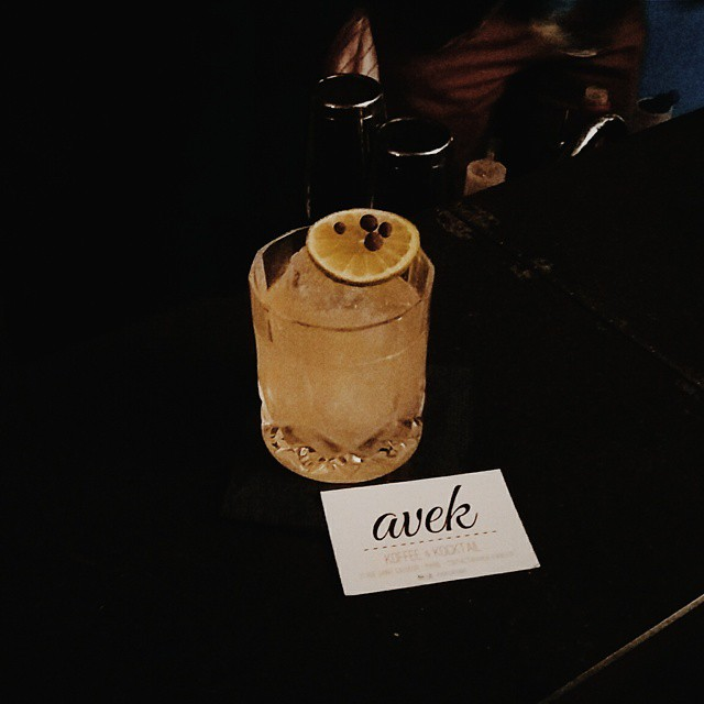 avek-cafe-bar-paris-4